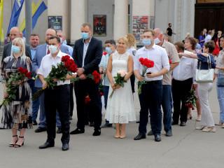 Представники міської влади поклали квіти до пам'ятника Тарасу Шевченку