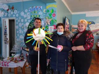 Поздравление посетителей и работников детской библиотеки № 9 с новогодними праздниками