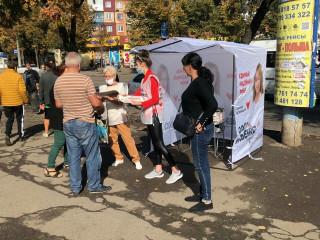 На агитационных палатках Ольги Бабенко можно ознакомиться с ее программой
