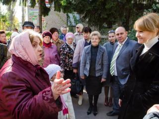 Кандидаты от «Батьківщини» встретились с избирателями в Ингулецком районе