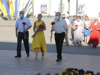«Є конституція!» Ольга Бабенко взяла участь у традиційній церемонії біля пам'ятника Кобзарю