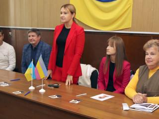 Глава Криворожской районной парторганизации Ольга Бабенко провела совещание с представителями двух районных территориальных громад