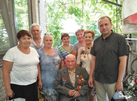 Члены районной организации ВО «Батьківщина» поздравили с 95-летием Дроздова Ивана Яковлевича
