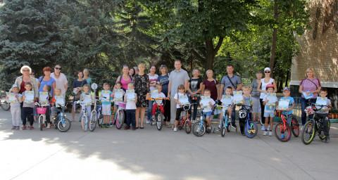 Сегодня в парке имени Юрия Гагарина юные велосипедисты соревновались в «Скоростном ралли»