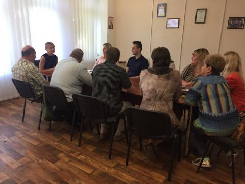 В общественной приёмной руководителя депутатской группы Ольги Владимировны Бабенко состоялось совещание с руководителями районных организаций
