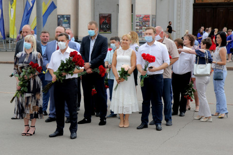 Представители городской власти возложили цветы к памятнику Тараса Шевченко