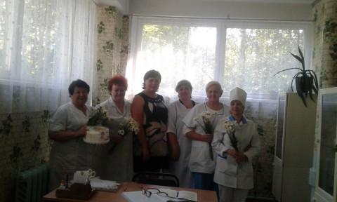 Катерина Плотникова поздравила медперсонал Территориального центра социального обслуживания в Терновском районе