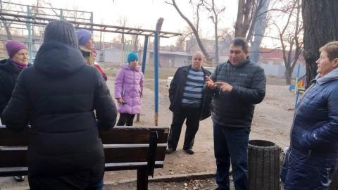Найти причину – решить проблему. Встреча депутата Алиева с жителями проблемного дома