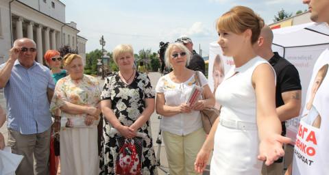 Центральная встреча: остро, емко, по делу. Ольга Бабенко открыто пообщалась с криворожанами в центре города