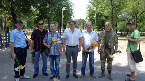Депутаты и активисты Ингулецкого района почтили память жертв Второй мировой войны