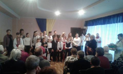 Учащиеся музыкальной школы выступили перед людьми старшего поколения