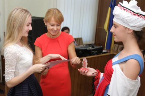 В актовом зале Центрально-Городского райсовета прошла церемония чествования школьников- медалистов