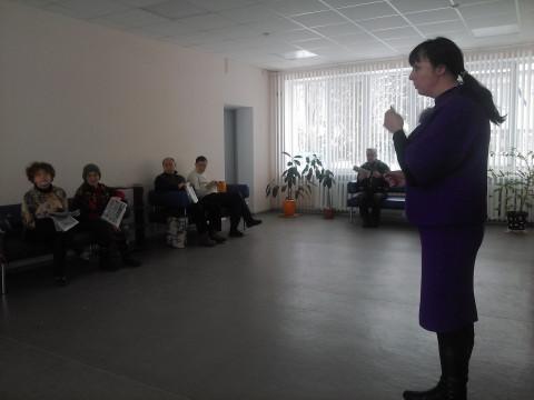 Отдыхающие Территориального центра задали свои вопросы депутату