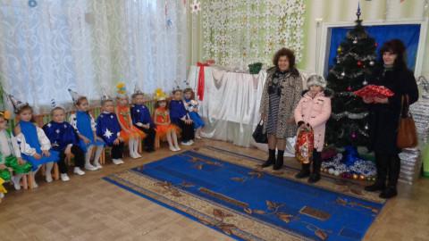 Депутаты от ВО «Батьківщина» порадовали подарками воспитанников детского сада №45