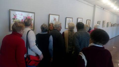 Криворожские пенсионеры посетили экспозицию известного художника