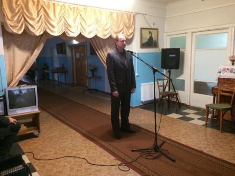 Криворожские вокалисты спели для отдыхающих Территориального центра