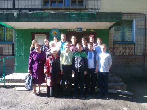 В день 9 Мая было организовано поздравление ветеранов на дому