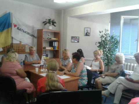 Леся Стрембицкая и заместитель председателя Терновского исполкома Ирина Брилькова провели встречу с активом района