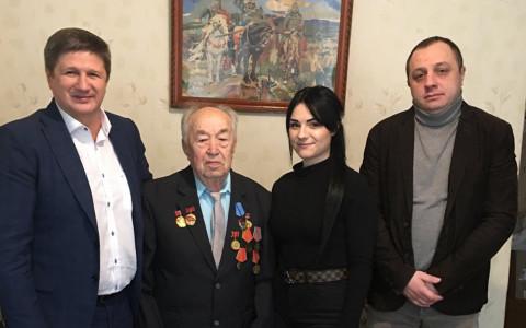 90 лет – на позитиве. Команда «Батьківщини» поздравили ветерана войны