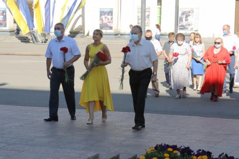 «Есть конституция!» Ольга Бабенко приняла участие в традиционной церемонии у памятника Кобзарю