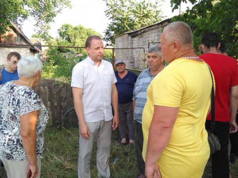 Жители улицы Кишиневской обратились за помощью в решении целого ряда коммунальных вопросов