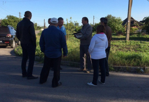 На зустрічі з представником «ЗА РІДНЕ МІСТО» жителі Володимирівської позначили ряд проблемних питань