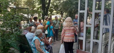 О крышах, колодцах и дорогах. Жители Покровской – на встрече с Вадимом Мирзояном