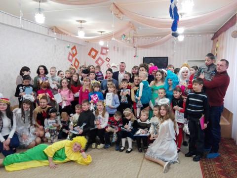 Представители «ЗА РІДНЕ МІСТО» поздравили детей с Днем Святого Николая