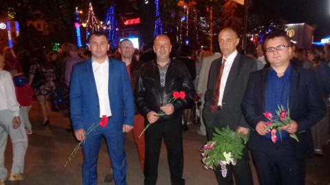 Активисты Ингулецкой РО «ЗА РIДНЕ МIСТО» приняли участие в торжествах на микрорайонах ЮГОК и Ингулец