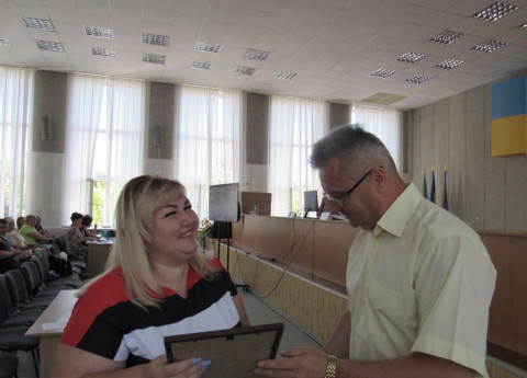 Депутат Покровского райсовета Виктория Ещина награждена Почетной грамотой