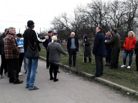 Игорь Вовкозуб обсудил с жителями улицы Серафимовича актуальные вопросы