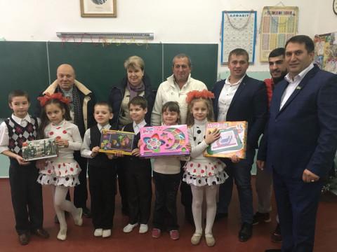 Депутаты «ЗА РІДНЕ МІСТО» обменялись подарками с ребятами из школы-интерната №1