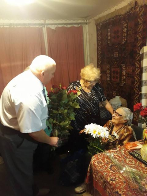 Игорь Криворотний поздравил ветерана Второй мировой войны, участницу боевых действий Лысенко Елену Павловну