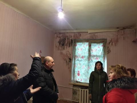 С комиссией – на осмотр проблемного общежития
